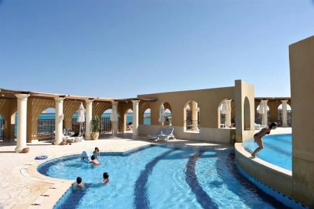 ocean-view-hotel-soleil-pool02-jpg-1024x0.jpg