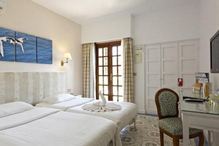 standard-room3_rihana-resort-jpg-1024x0.jpg