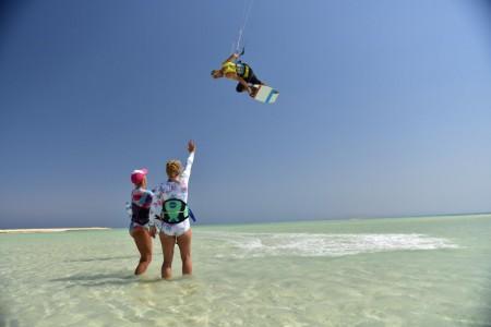 17-red-sea-DKKK-girls-kite-camp-el-gouna.jpg