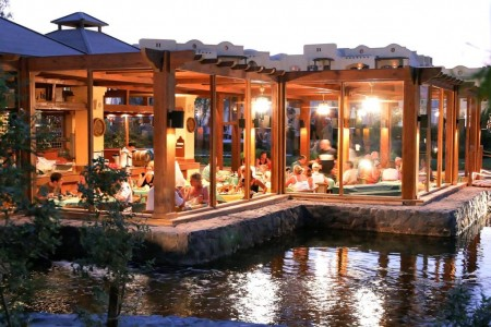 rihana_resort_chez_pascal_restaurant_01-jpg-1024x0.jpg