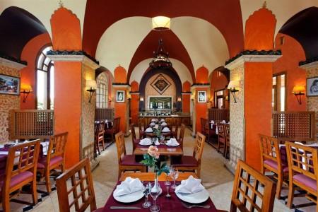 ali-pasha-hotel_el-gouna_tandoor-indian-restaurant_interior-jpg-1024x0.jpg