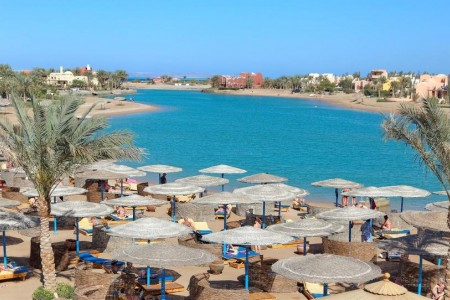 rihana_resort_lagoon_02-jpg-1024x0.jpg